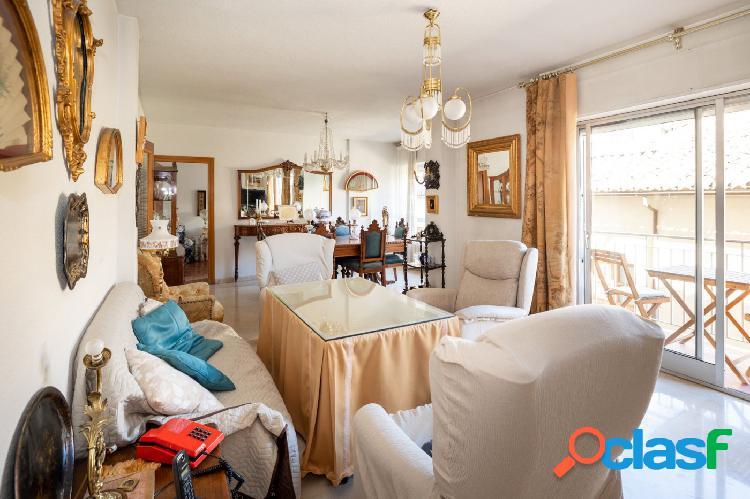 Piso de cinco dormitorios en el centro de Granada. 3