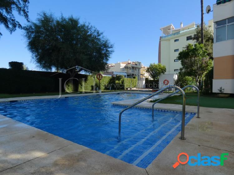 Venta de piso de 2 dormitorios con piscina y terraza