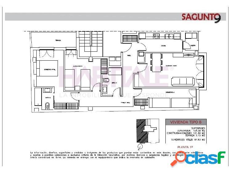 Estupenda vivienda de obra nueva compuesta por 3 habitaciones, 2 cuartos de baño, amplio salón comedor, cocina con galería y plaza de garaje y trastero cuenta con las siguientes calidades: si