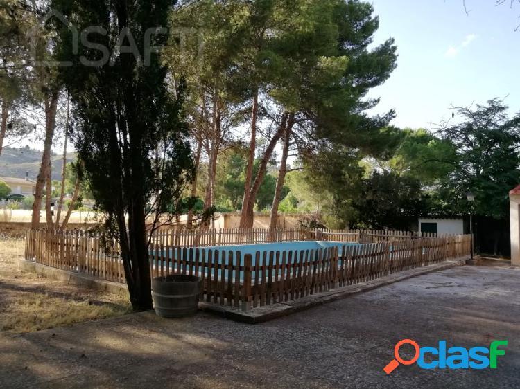 Chalet con piscina a 550 mts. de yecla --sin comision de compra--