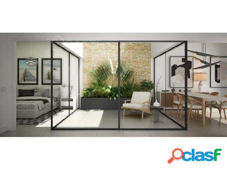 Casa adosada de 3 o 4 dormitorios, 2 baños y piscina privada