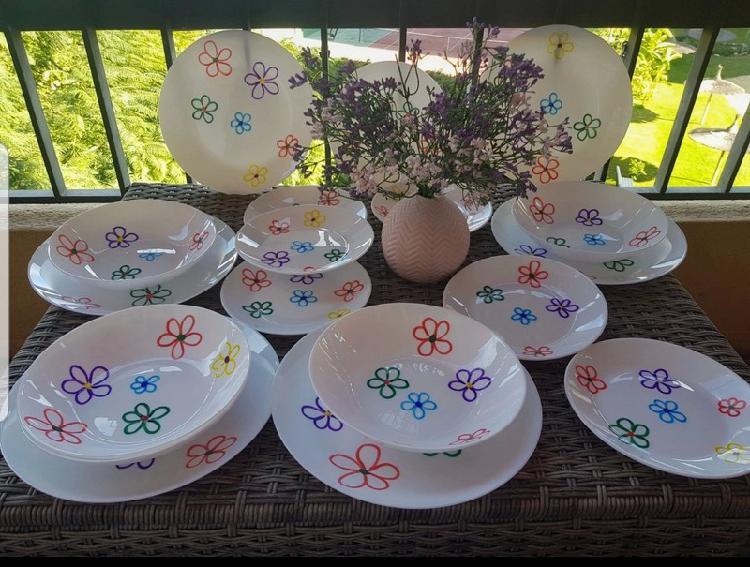 Vajilla floral arcopal 18 piezas
