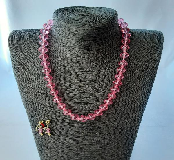 Conjunto collar y pendientes cristal de roca rosa vintage
