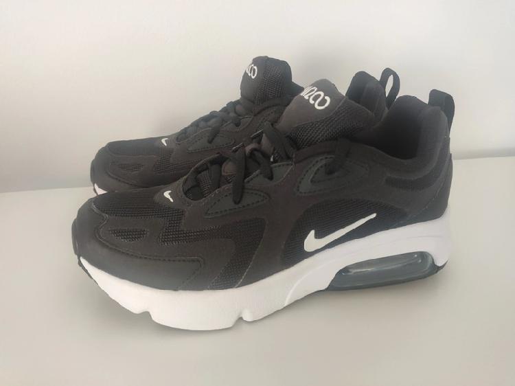 Nike air max gs 200