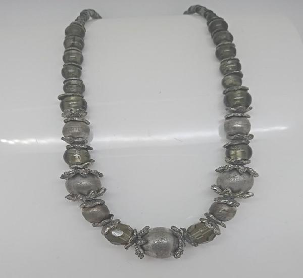Vintage antiguo collar con cristal de murano. es muy antiguo