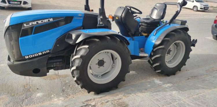 Venta de tractor landini 90105arr en alicante