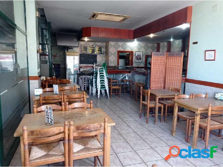 Traspaso de bar con licencia mixta C2 en via principal de Sabadell 1