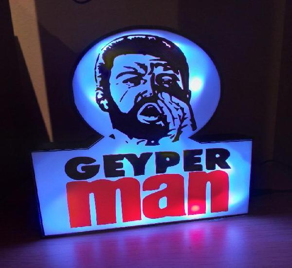 Geyperman luminoso