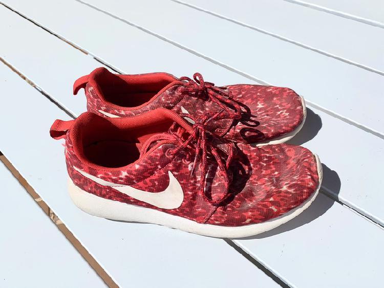 "Zapatillas nike ""roshe run"""