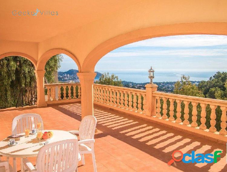 Villa con vistas panorámicas al mar en moraira