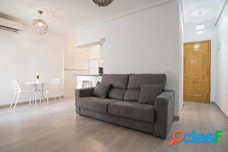 Reformado apartamento de 2 dormitorios a 5 mn a pie de la Playa del Cura 2