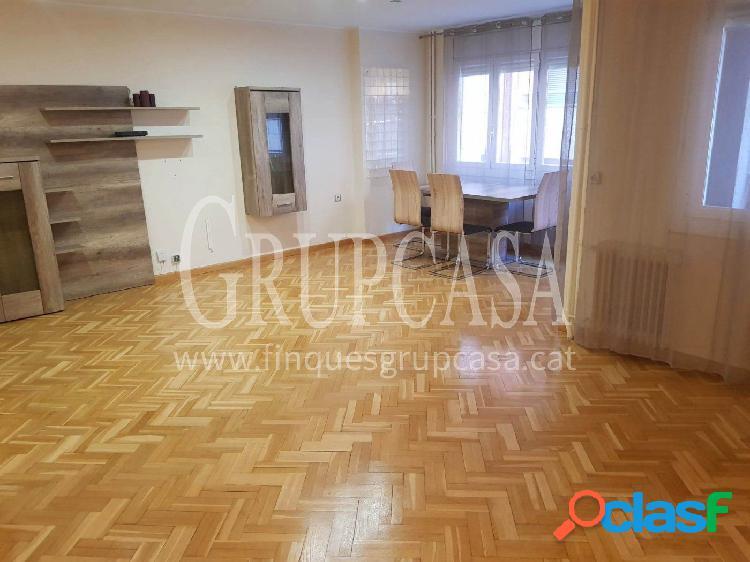 Fantástico piso en el centro de 140 m2,totalmente reformado de 3 habitaciones y 2 baños