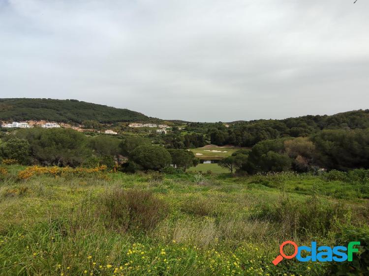 Fantástica parcela de 3.002 m2 en primera línea de golf en la reserva de sotogrande