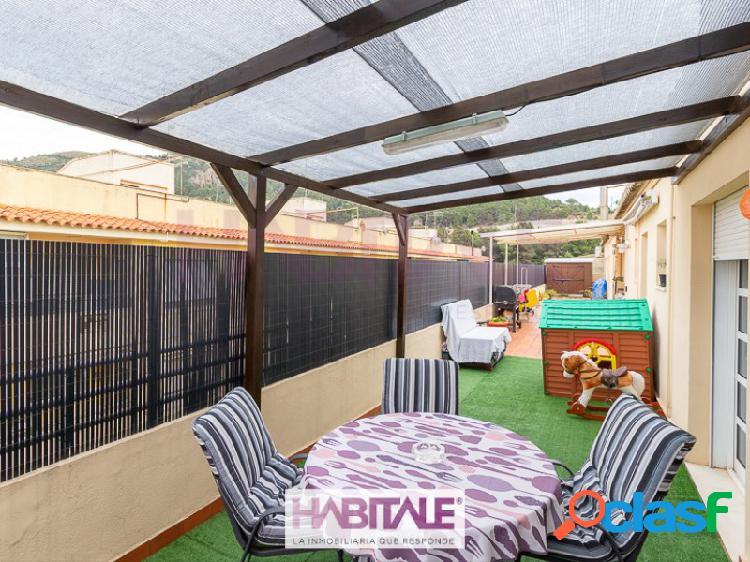 Ático con espectacular terraza en el centro de nàquera
