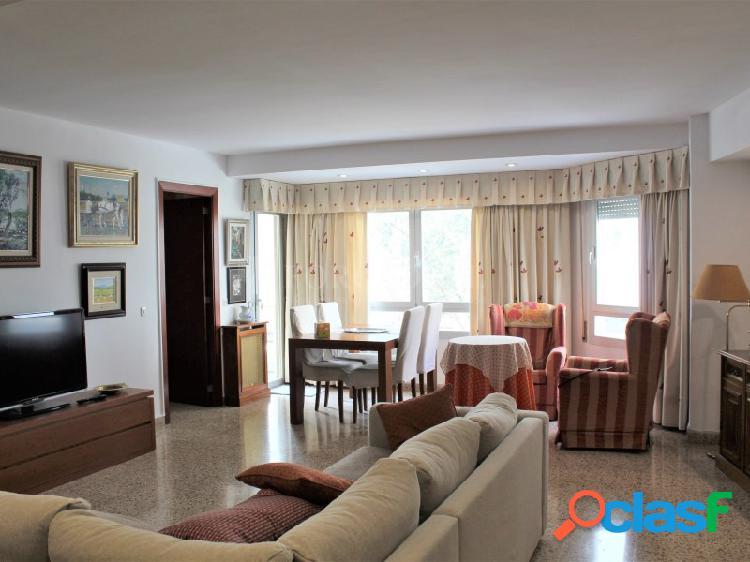 Amplio piso en venta en la zona Avenidas