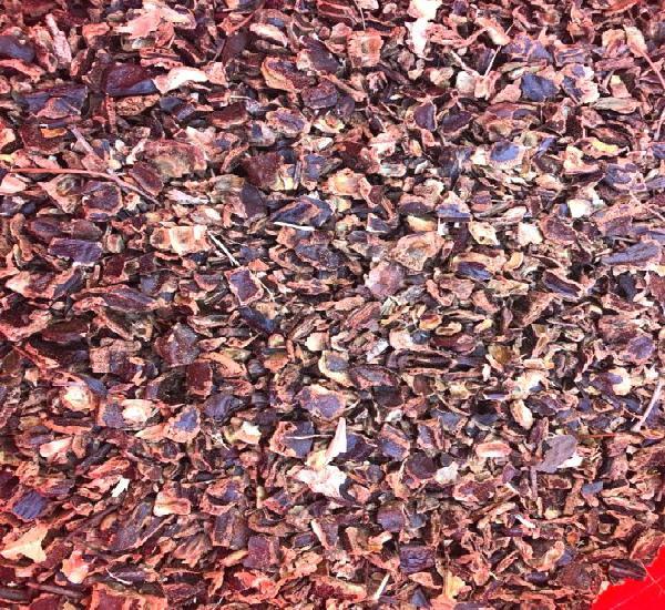 Venta de algarroba troceada para alimentación animal en