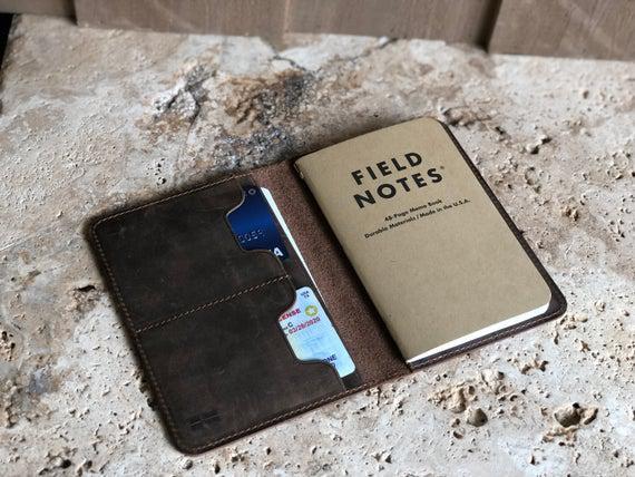 Cubierta del diario de cuero. cubierta de notas de campo de