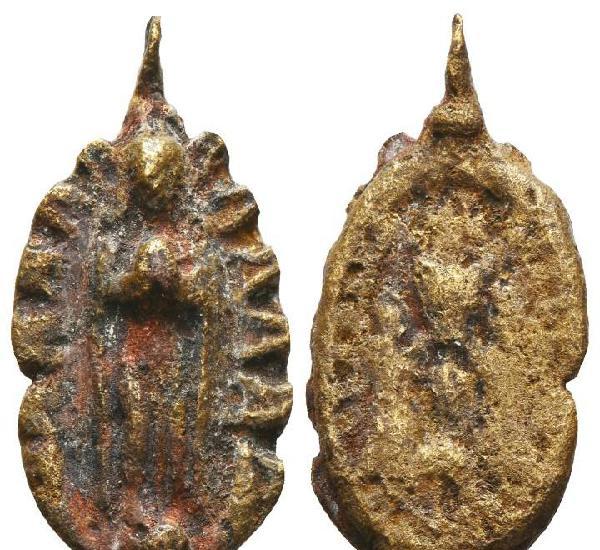 Inusual tipologia de medalla de la inmaculada