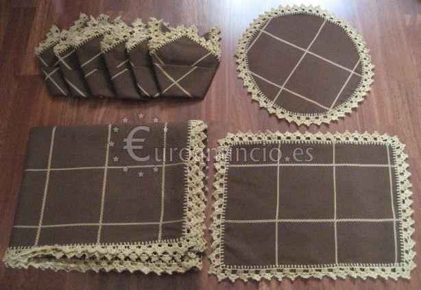 Mantel en marron chocolate rematado a ganchillo