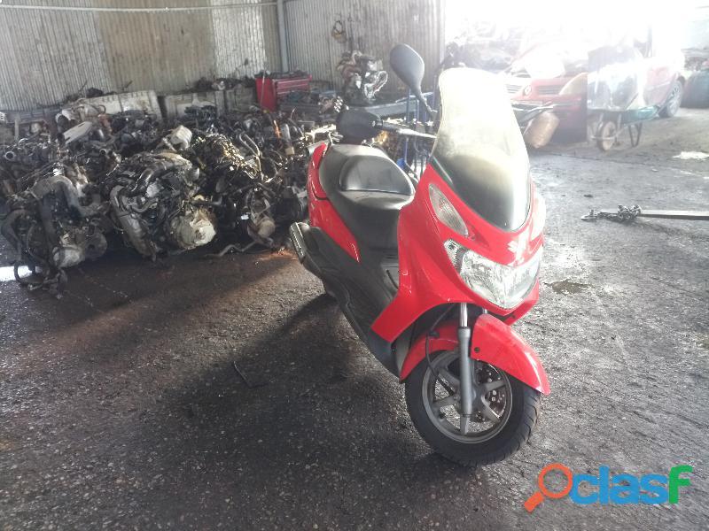 Despiece Suzuki Burgman 125cc 2004