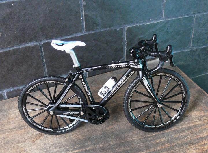 Modelo de bicicleta deportiva.