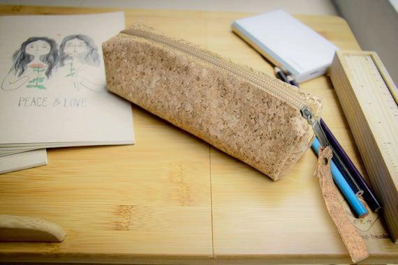 Caja de la carpeta de plumas hecha de corcho, estuche