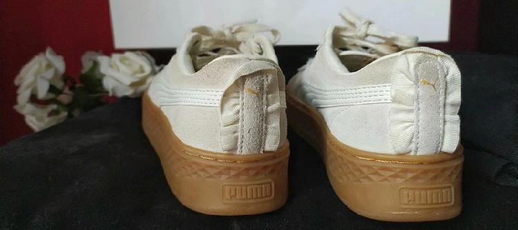 Puma smash platform frill 36 color crema /baskets femme????