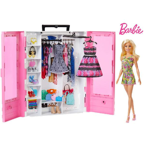 Barbie fashionistas ultimate closet doll and accesory