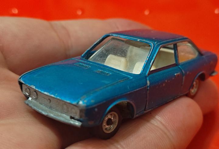 Seat 124 sport coupe 7 cm largo miniatura guisval jugado ver