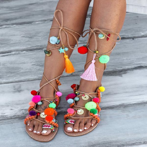Sandalias decoradas a mano