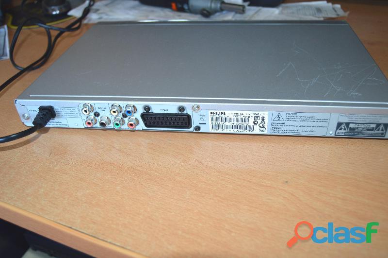Reproductor de DVDs modelo Philips DVP 3040 2