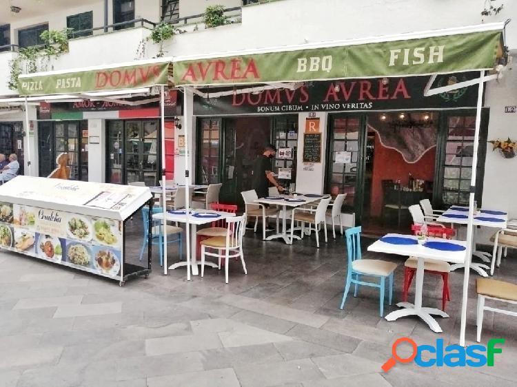 Se traspasa restaurante en el centro de los cristianos