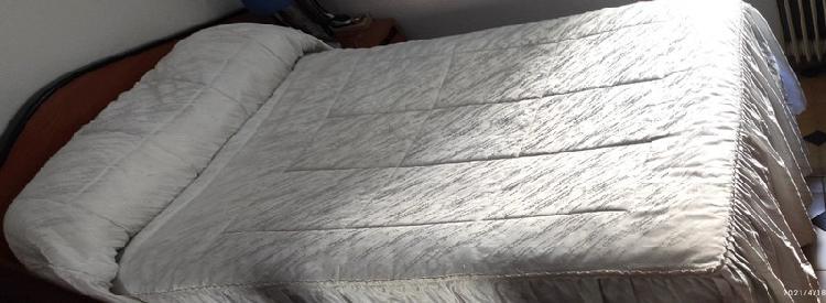 Edredón de cama, reig marti
