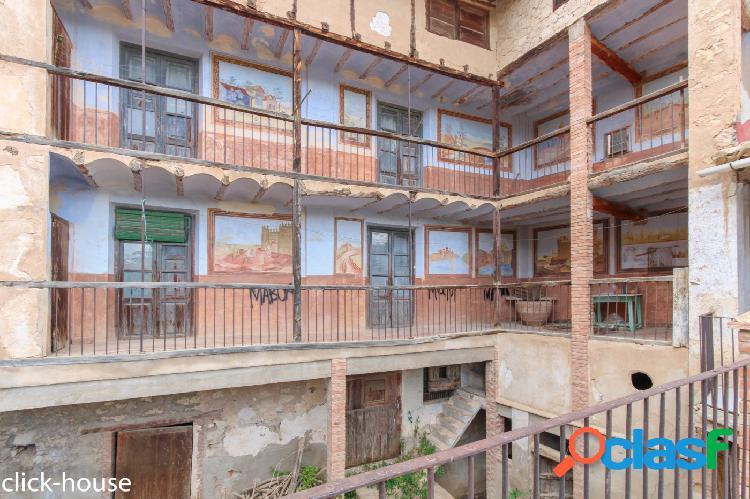 Casa histórica en centro Ademuz, ideal para casa Rural 1