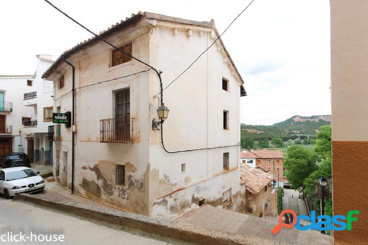 Casa histórica en centro Ademuz, ideal para casa Rural 2