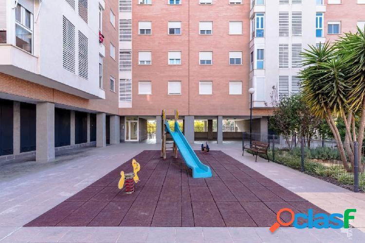 Piso, garaje y trastero en venta en Calle Los Montesinos, 2º, 03015, Alicante (Alicante) 148.000 € 3