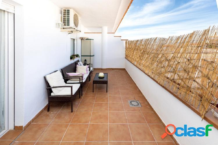 Ático en churriana de la vega, 20 m2 de terraza, una habitación, un baño.