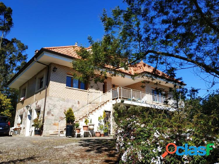 Casa independiente con estupendas vistas y con terreno en comillas