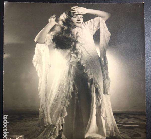 Foto original de la soprano ana maría olaria.foto piñeyro