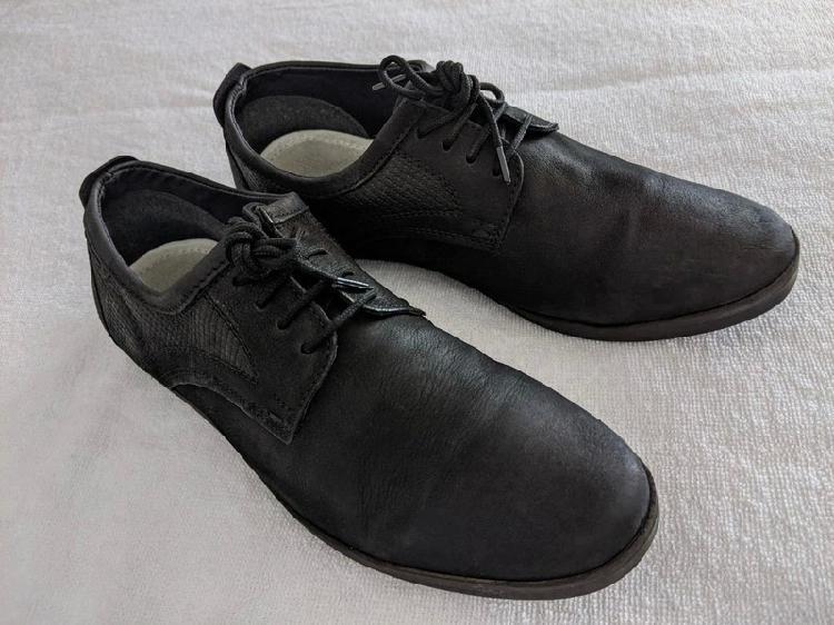 Zapatos de cuero negro pier one