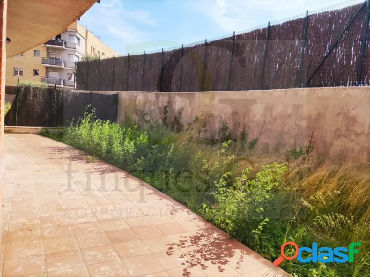 Manresa - planta baja amplio jardín con porche de 3 habitaciones. incluye plaza de parquing. cheque regalo de 3.000€