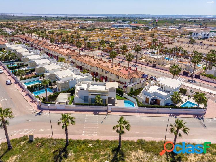Villa independiente con piscina privada en Ciudad Quesada