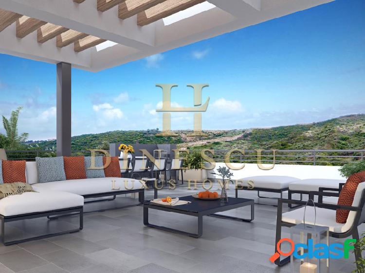 Lujosa casa con diseño moderno en un campo de golf en una zona premium