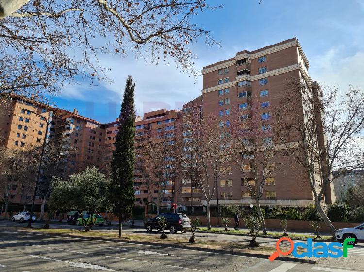 Alquiler esplendido piso en Avenida Gómez Laguna, en una ubicación inmejorable junto a Hospital Clínico, Universidad, Centro comercial Aragonia. Rodeado de parques y con todos los servicios a