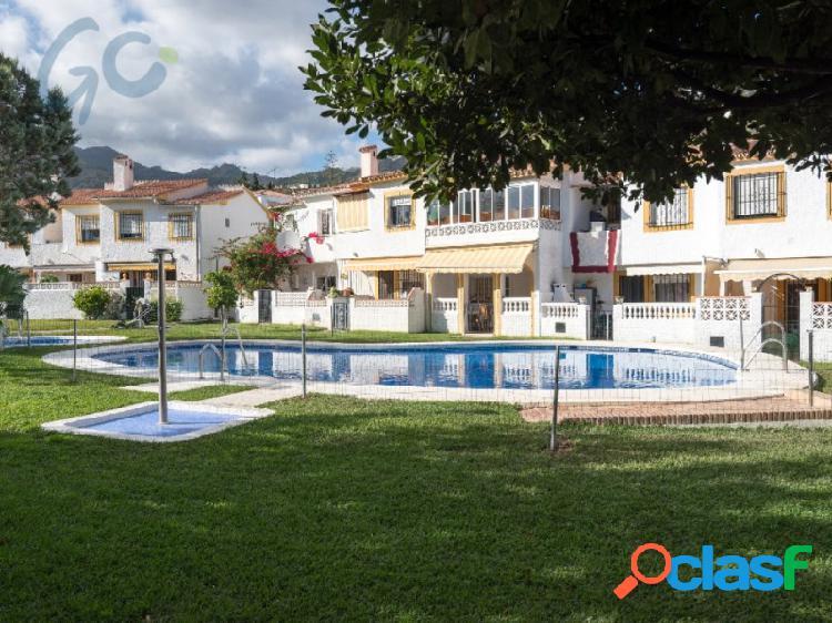 Gc pone a la venta una fantástica casa en urbanización monte alto, benalmádena (málaga).