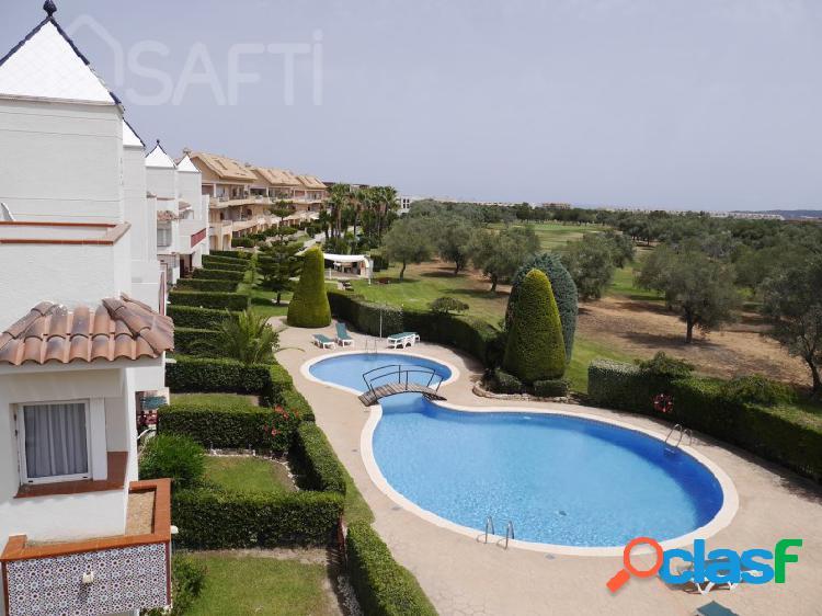 Maravillo atico duplex 79m2 con solarium 60m2 y piscina comunitaria en golf de san jorge frente hoyo 15 + plaza de parking incluida