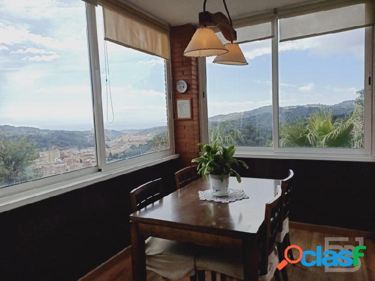 Casa con magníficas vistas mar y montaña en arenys de munt