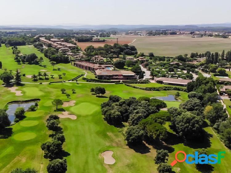 Parcela en torremirona golf resort, costa brava