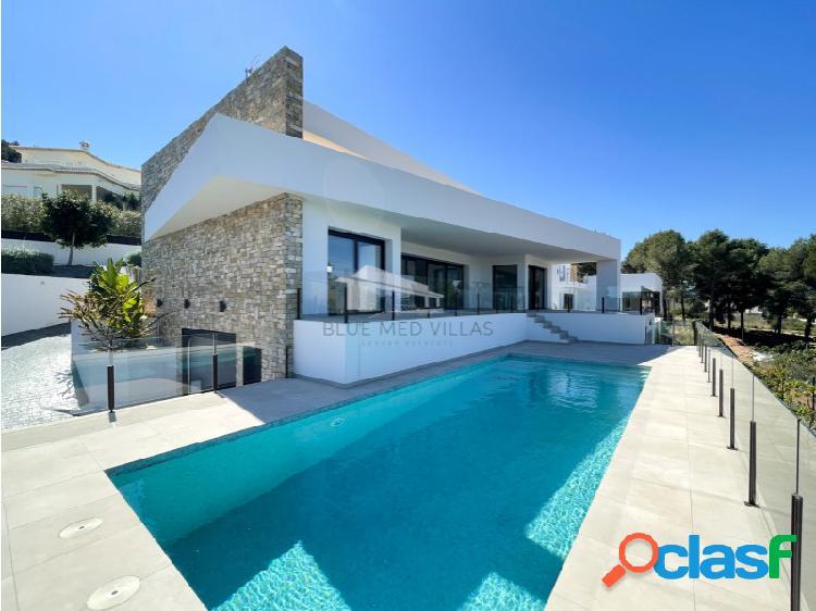 Villa de nueva construcción de estilo moderno en venta en jávea