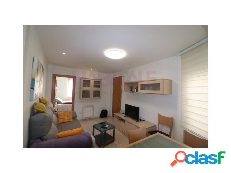 Sector san josé - piso reformado con 2 habitaciones y salón. (venta: 89.900 € - ocasión)